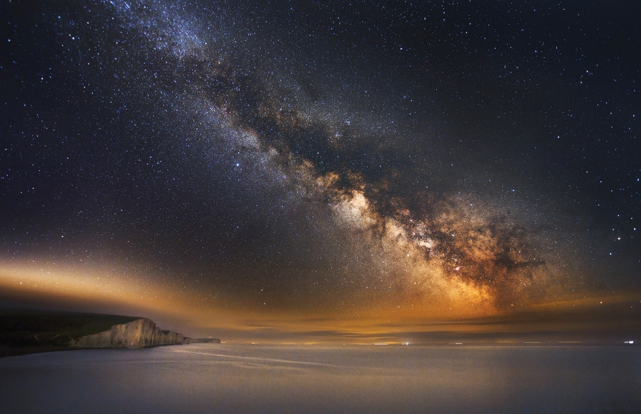 2_Cliffs_Milky_Way.jpg